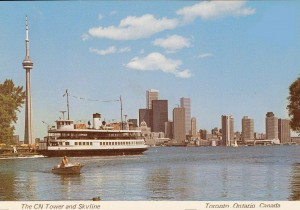 POSTCARD - TORONTO - SKYLINE FROM ISLAND - FERRY - CN TOWER - 1980s